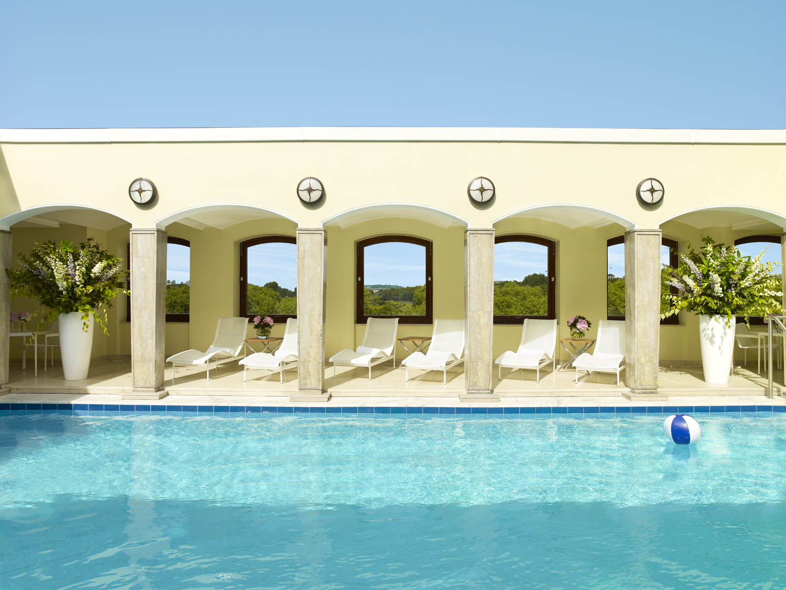 Top ten swimming pools in london the tiny traveller 39 s for Pool pool pool