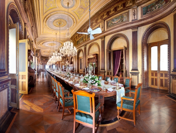 Falaknuma Palace Hyderabad  World's Longest Dining Table
