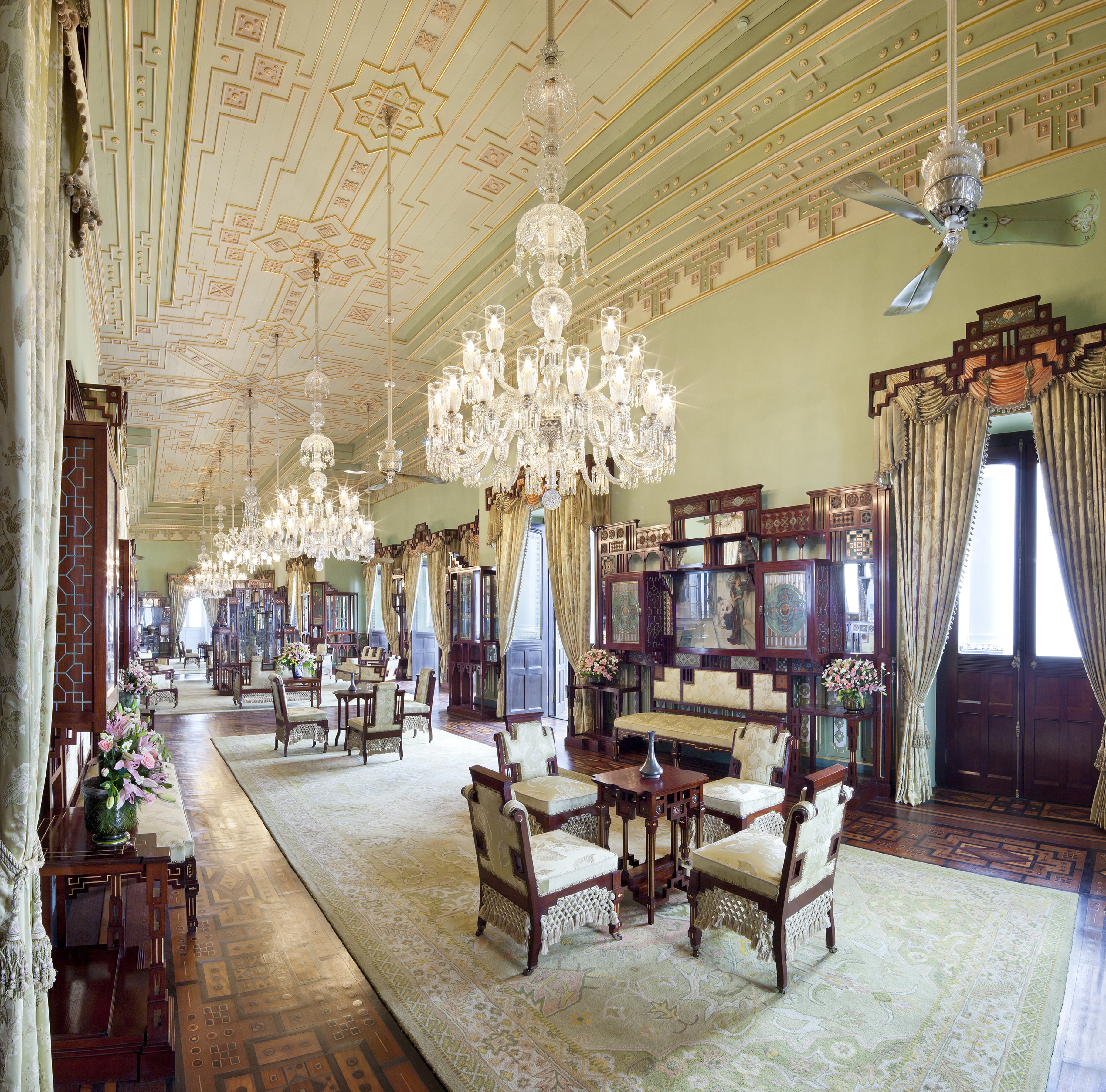 falaknuma palace The last time i had visited salar jung museum, social media and selfies were  unknown concepts my schoolboy wonder held on to traces of.